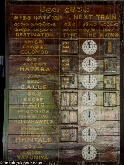 Tableau des horaires de trains