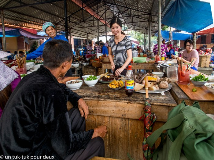 Restaurant au marché de Bac Ha
