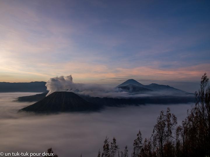 Des ha! et des ho! pour Gunung Bromo, le volcan trèsbeau!